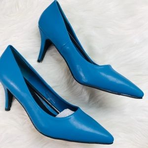 Shoes - 🆕️Turquoise Pointy Toe Classic Low Heel Pumps